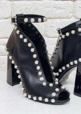 Женские туфли с открытым носиком из натуральной кожи черного цвета