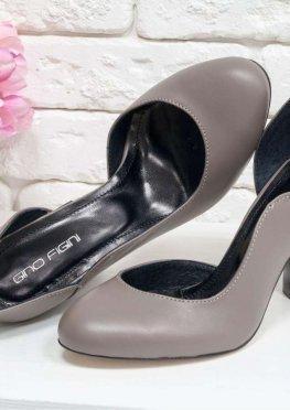 Шикарные туфли из натуральной кожи бежевого цвета