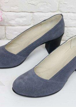 Туфли из натуральной замши серого цвета