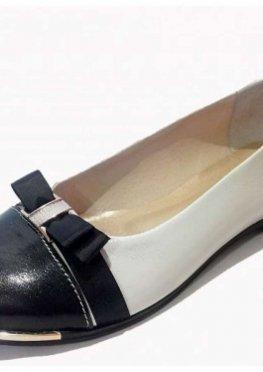 Туфли из натуральной кожи бежевый лак