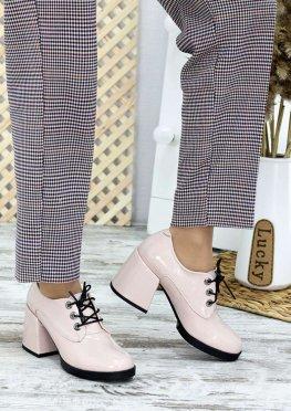 Туфли на толстом каблуке пудра лак-кожа