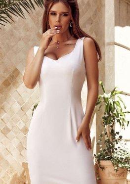 Короткое коктейльное платье белого цвета