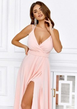 Персиковое вечернее платье макси на бретелях