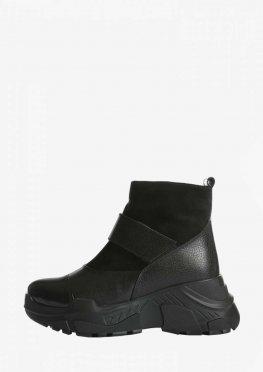 Зимние кожаные ботинки с лаковыми и замшевыми вставками