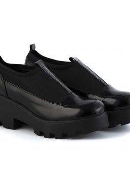 Лаковые черные туфли со стрейчем на платформе