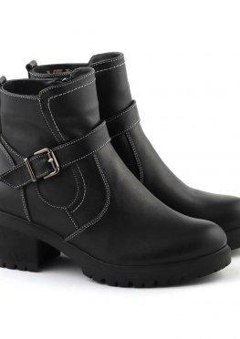 Короткие зимние ботинки на небольшом каблуке