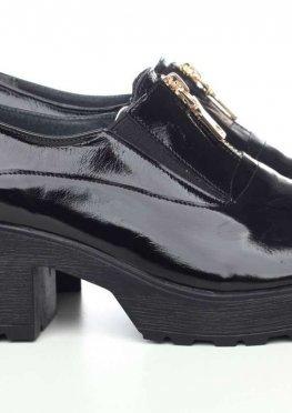 Черные лаковые туфли с молнией спереди