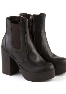 Коричневые ботинки 39 размера на резинке