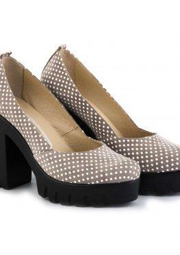Бежевые туфли из натурального велюра в белый горошек