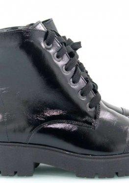 Лаковые черные зимние ботинки
