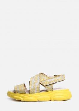 Желтые босоножки в спортивном стиле