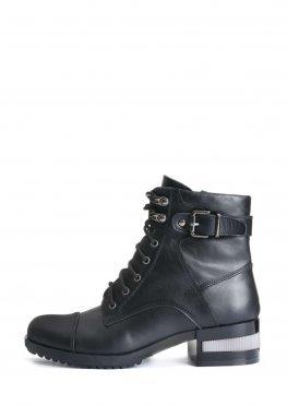 Ботинки кожаные с декоративным каблуком