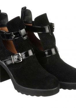 Стильные женские замшевые ботинки с ремнями