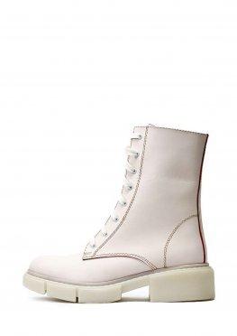 Зимние высокие светлые женские ботинки