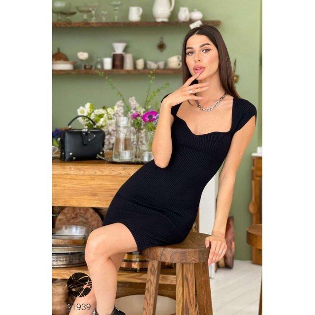 Вязаное платье-футляр в рубчик (31939)