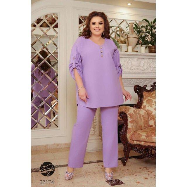 Льняной костюм из блузы и брюк прямого кроя (32174)