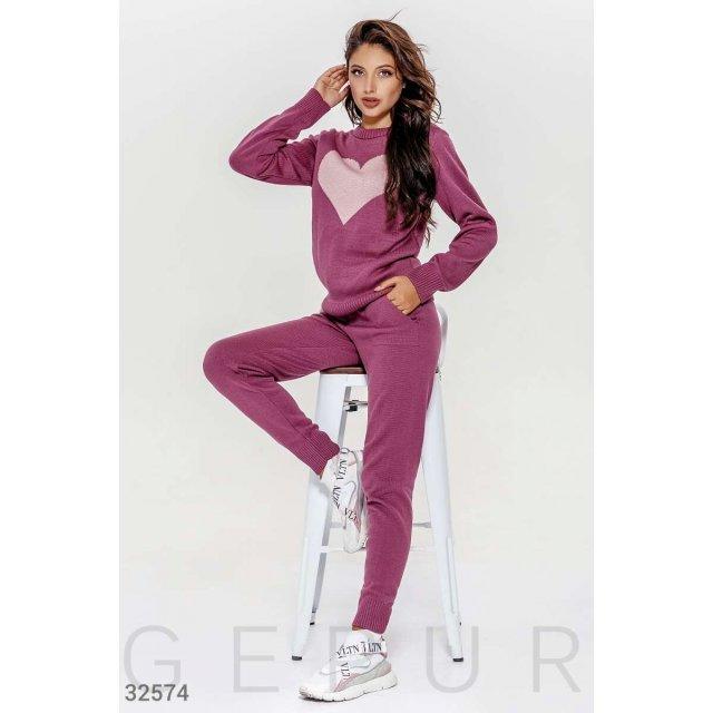Вязаный костюм фиолетового оттенка