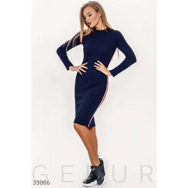 Вязаное платье-мини