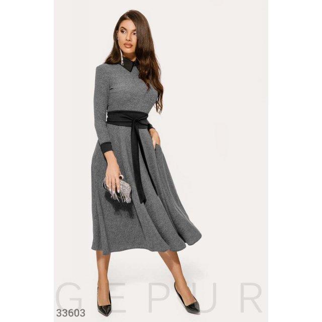 Вязаное расклешенное платье