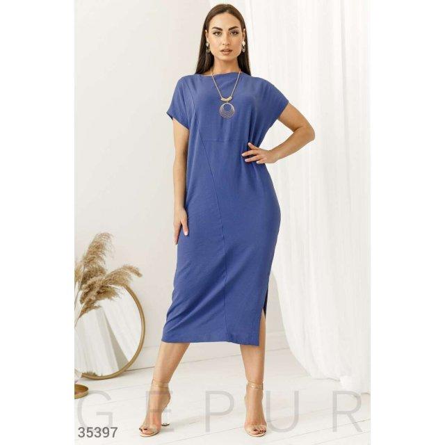 Голубое платье с аксессуаром