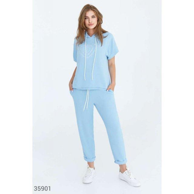 Небесно-голубой костюм для спорта