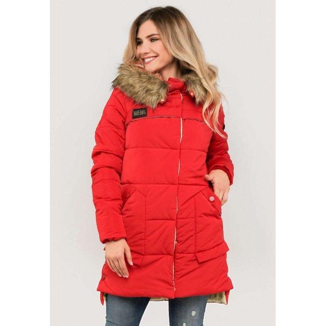 Женская куртка зимняя с меховой опушкой  красного цвета