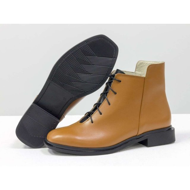 Дизайнерские классические ботинки табачного цвета