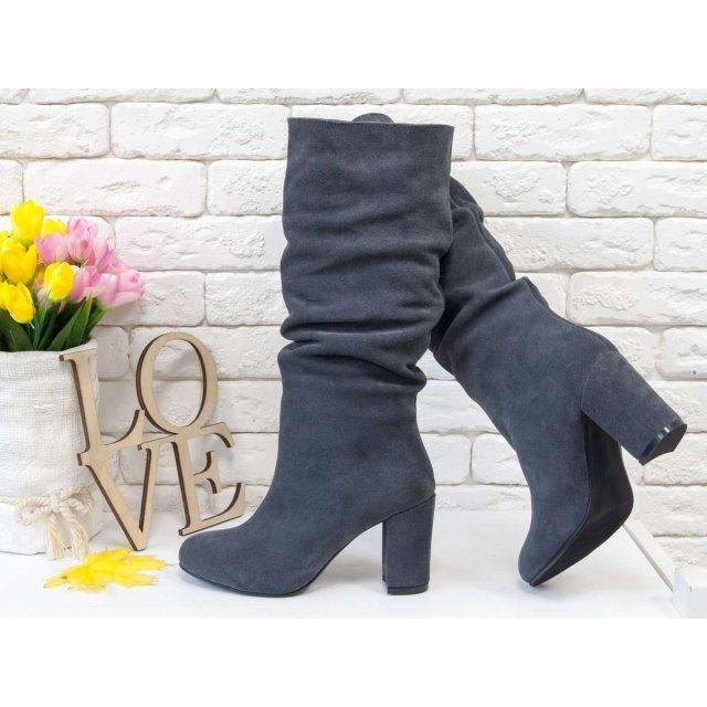 Сапоги-гармошки свободного одевания из натуральной замши темно-серого цвета