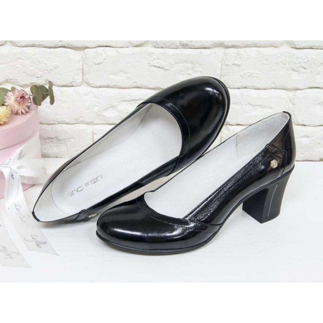 Женские Туфли из натуральной лаковой кожи черного цвета