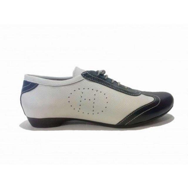 Туфли из натуральной кожи бежевого и черного цвета